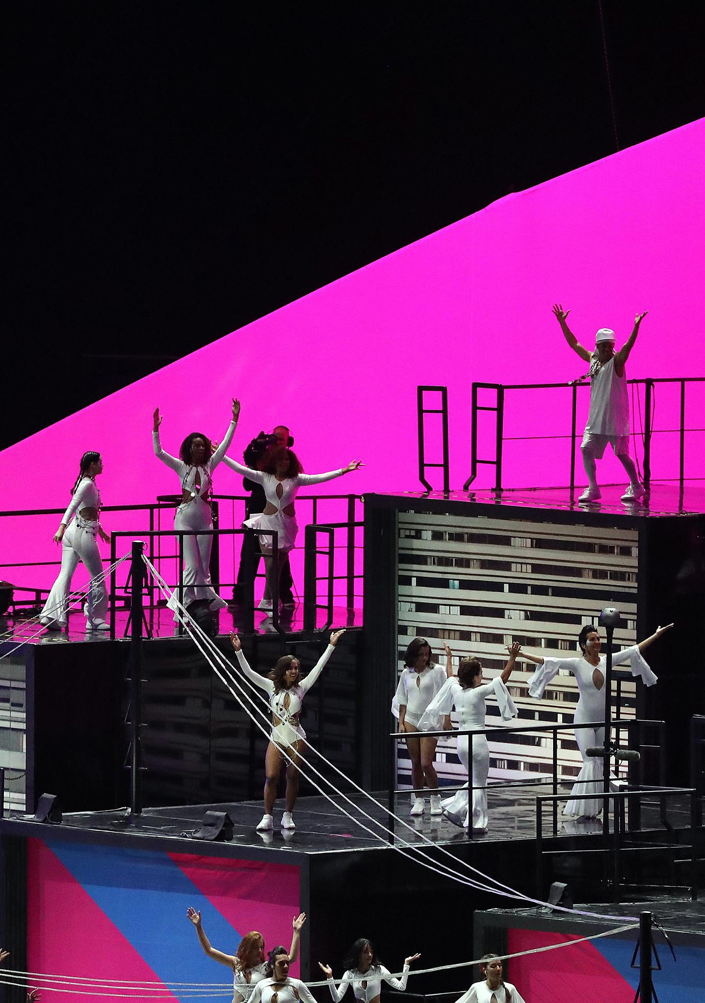 15.000 bailarines en escena