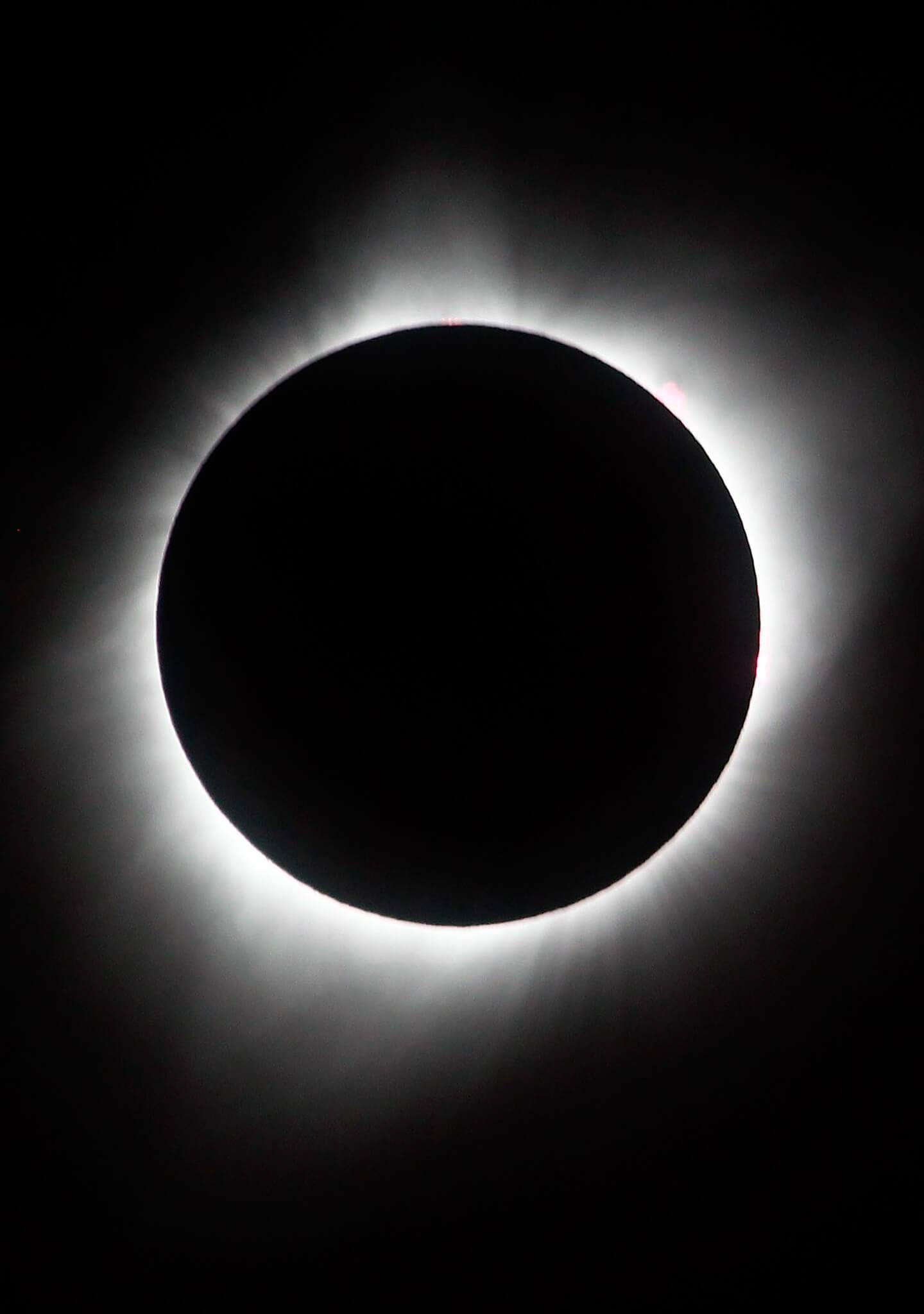 Sol, Luna y  Tierra perfectamente alineados